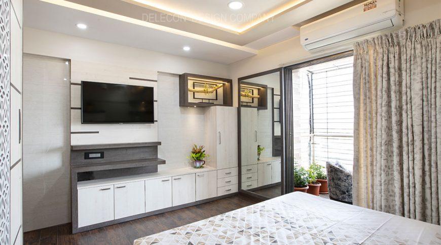 upper-level-master-bedroom4